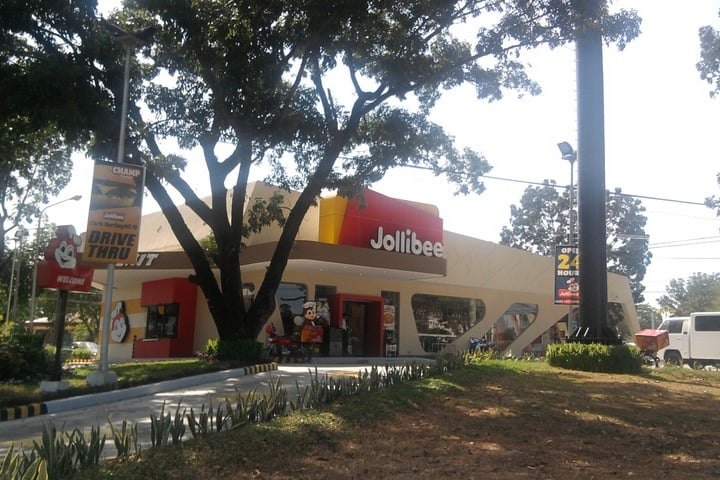Jollibee near Air Force City