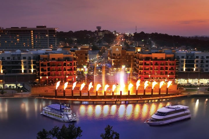 Win Four Days or Three Nights Vacation to Branson Missouri for 2 - #Giveaway (US)