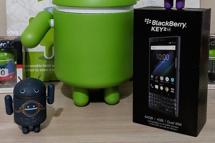 BlackBerry KEY2 LE and Android Figures